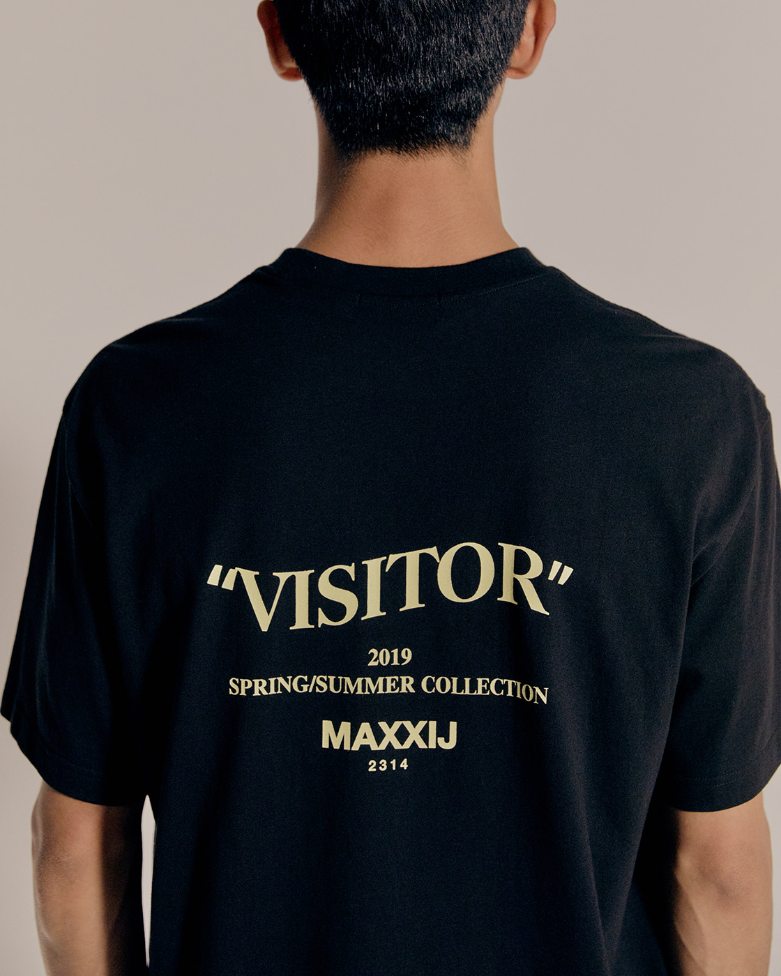 'Visitor' T-shirt Black
