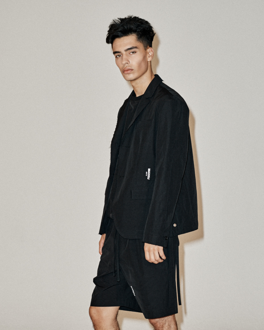 Raw Edges Light Weight Smart Jacket Black